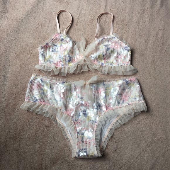 58408e9472d86d Victoria s Secret Intimates   Sleepwear